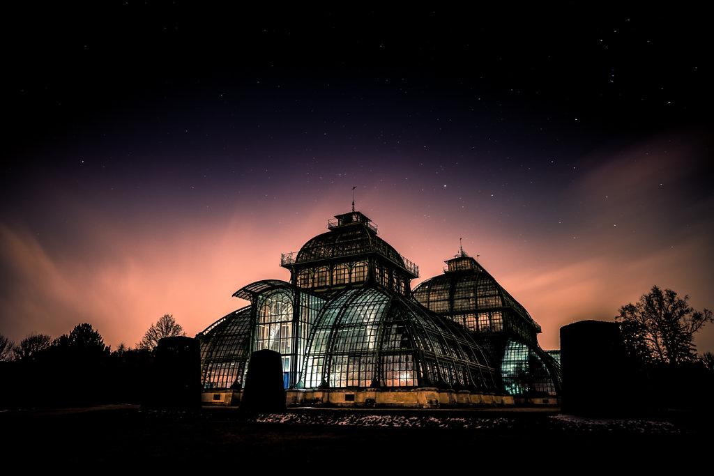 Schönbrunn by night