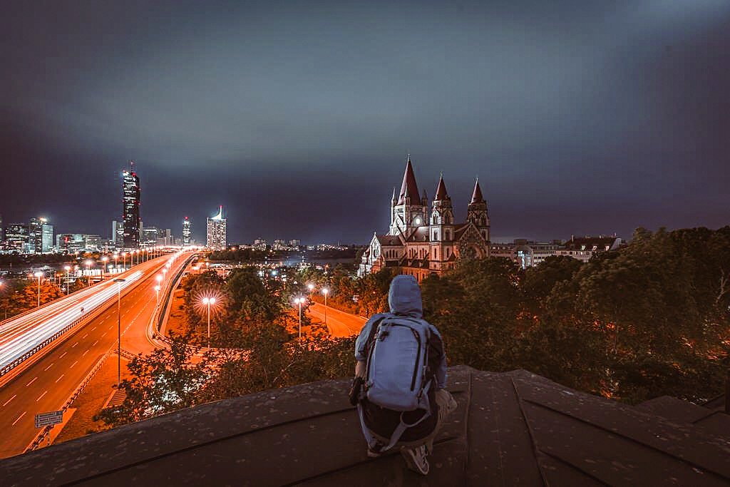 Reichsbrücke -rooftop views